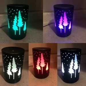 💖3/$25💖 Colour Changing Christmas Oil Diffuser